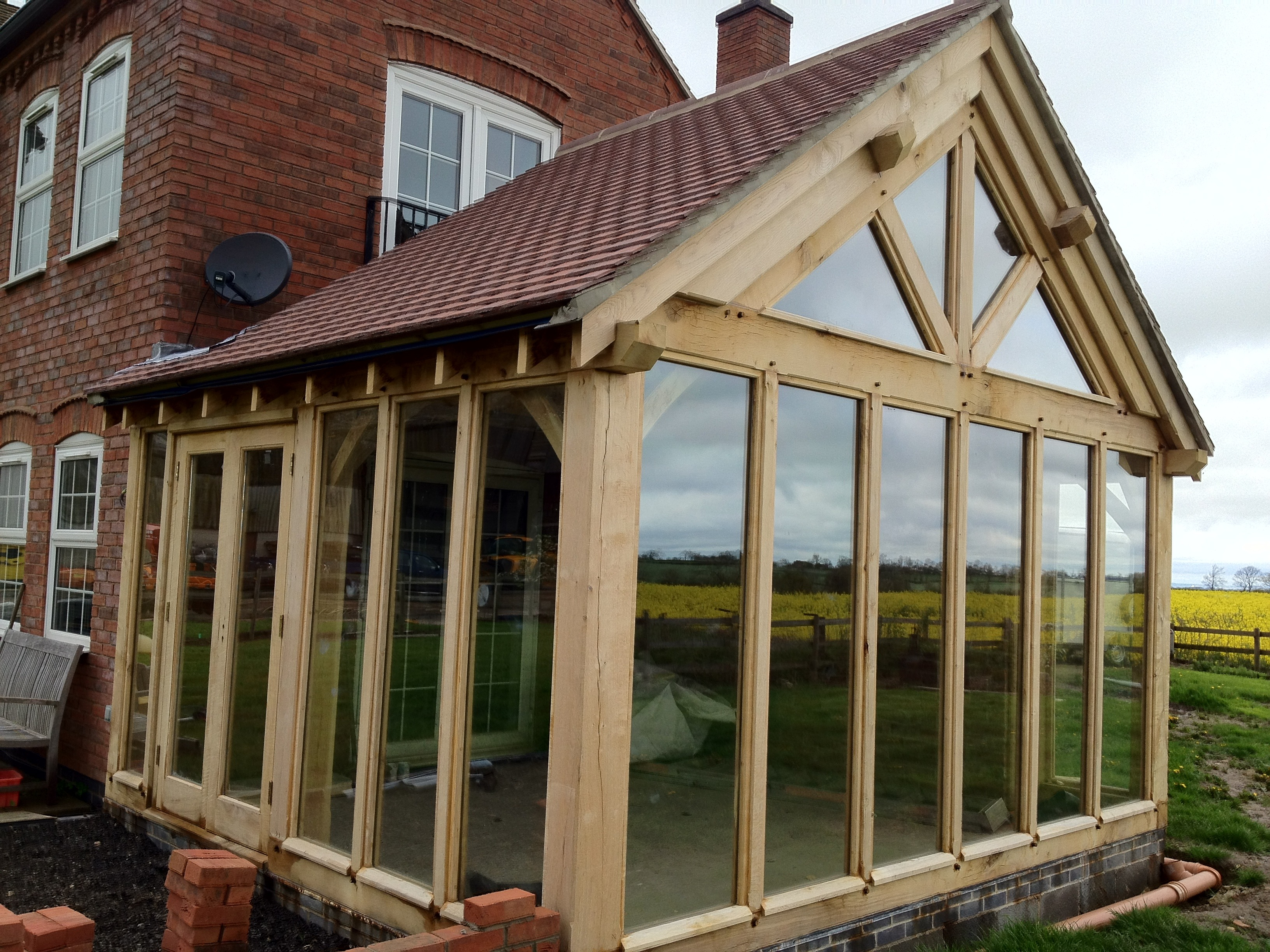 Why are oak framed buildings becoming popular again hortus for Building a garden room
